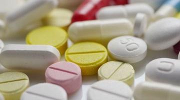 В США фармкомпании должны будут указывать цены на препараты в рекламе на ТВ